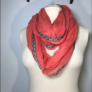 Steve Madden coral infinity scarf OS